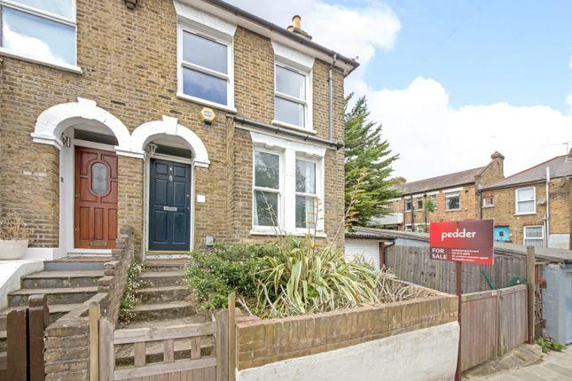 2 bed property for sale in Oakdale Road, Nunhead, London SE15