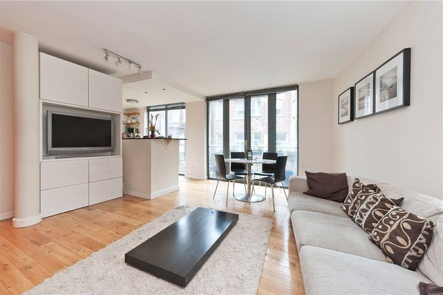 2 bed flat to rent in The Triangle, 21 Three Oak Lane, Shad Thames, London SE1