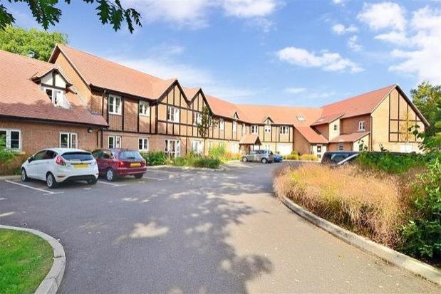 Thumbnail Flat to rent in Meadowside, Storrington, Pulborough