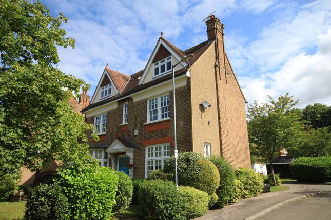 Thumbnail Flat to rent in Poets Court, Milton Road, Harpenden