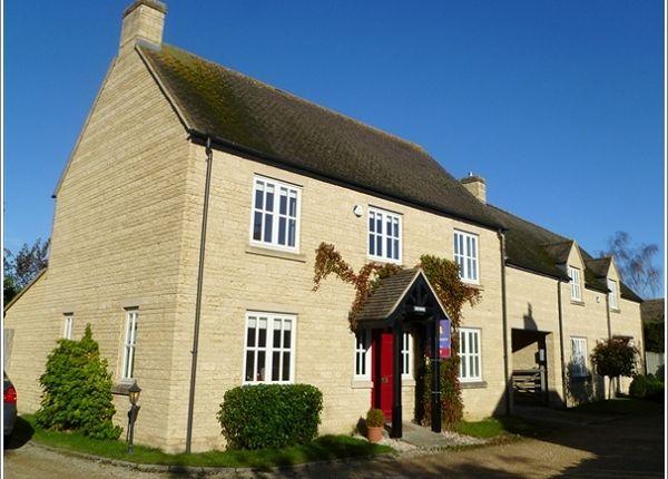 Thumbnail Semi-detached house to rent in The Paddocks, Aston, Bampton