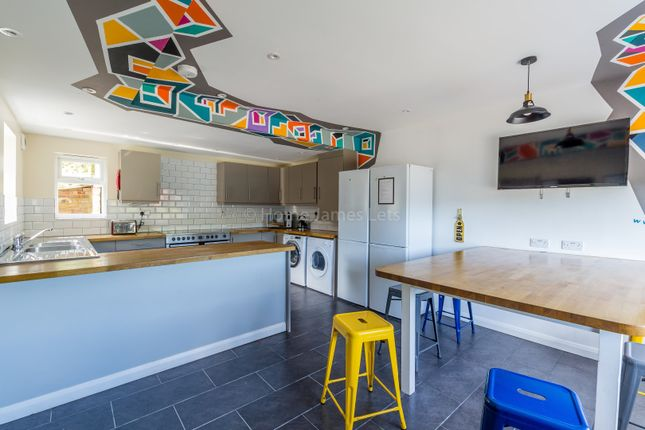 Thumbnail Shared accommodation to rent in Bodiam Avenue, Brighton