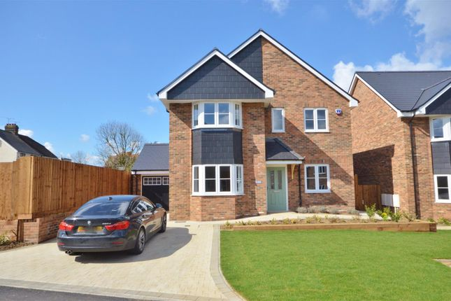 Detached house for sale in West Hill Road, Luton