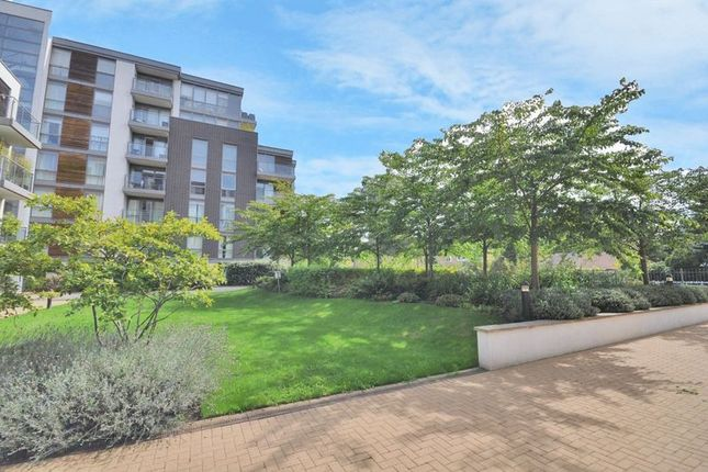 Thumbnail Flat for sale in Clayponds Lane, Brentford