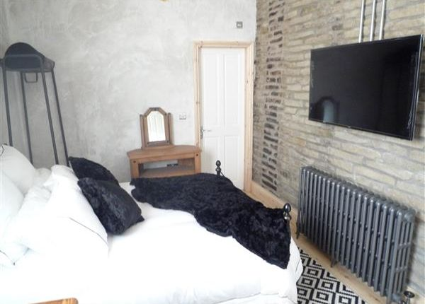 Thumbnail Terraced house to rent in Room 3, 19 Wentworth Street, Huddersfield