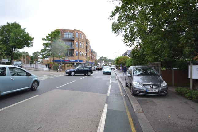 High Road of The Roses, High Road, Woodford Green IG8
