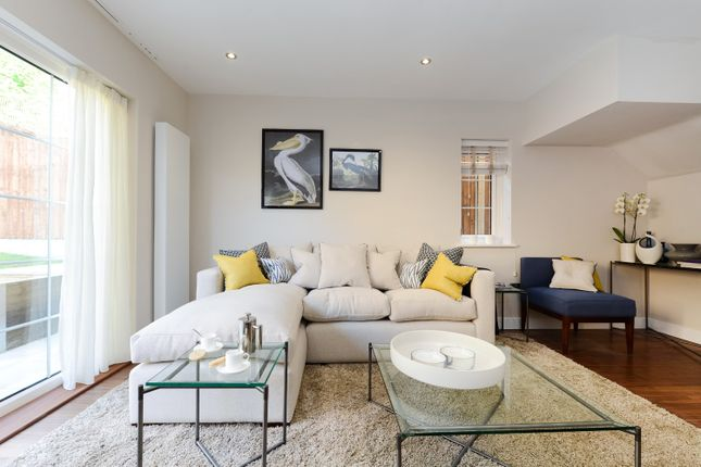 Thumbnail Property for sale in Biggin Way, London