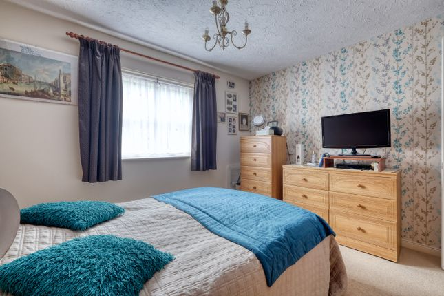 Bedroom of Rowan Court, Worcester Road, Droitwich WR9