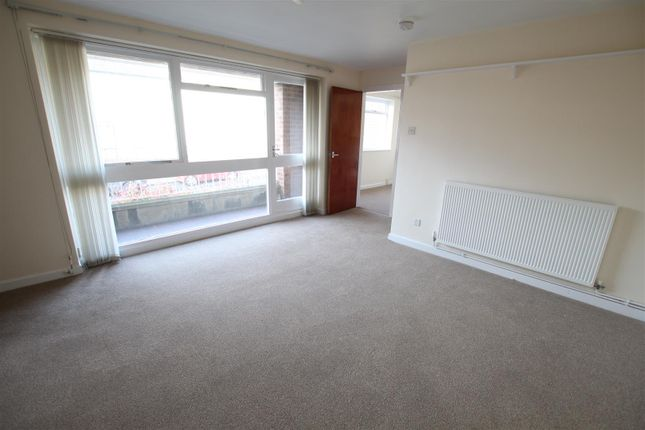 Thumbnail Flat to rent in Midland Road, Swadlincote