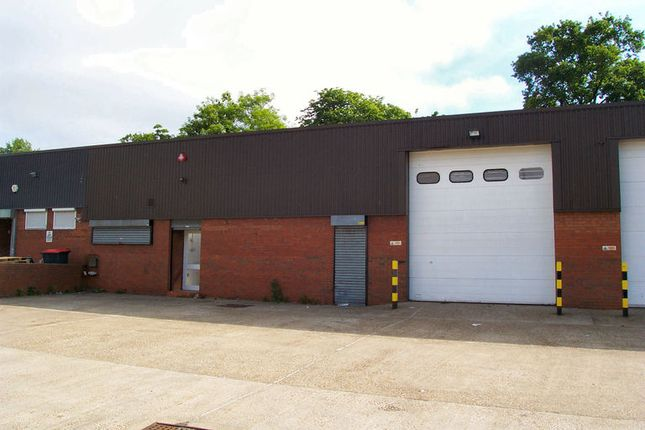 Thumbnail Industrial to let in Mill Hill Industrial Estate, Flower Lane, London