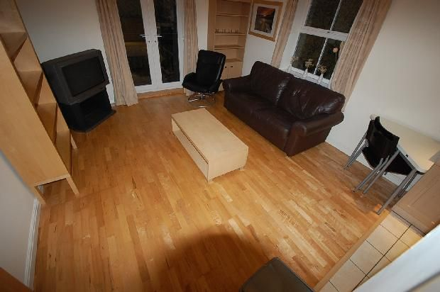 Thumbnail Flat to rent in Lawson Wood Drive, Meanwood, Leeds