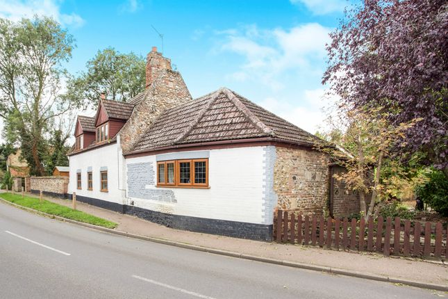 3 bed detached house for sale in Low Road, Wretton, King's Lynn