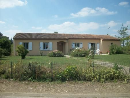 4 bed bungalow for sale in Mauprevoir, Vienne, France