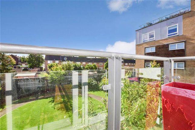 Flat for sale in Cherrydown East, Basildon, Essex