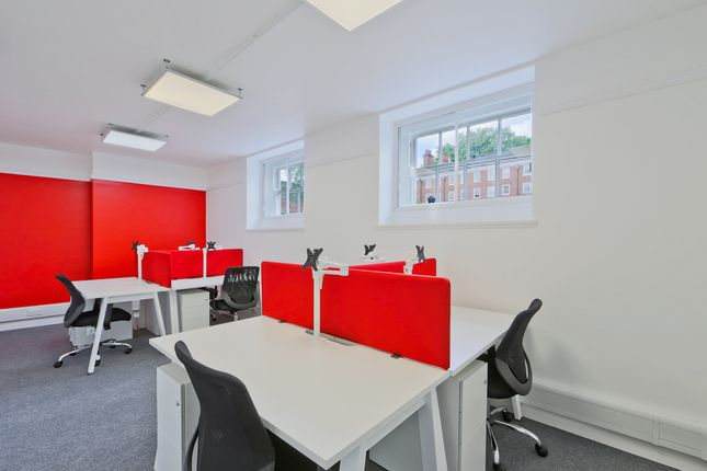 Office to let in Grays Inn Square, London
