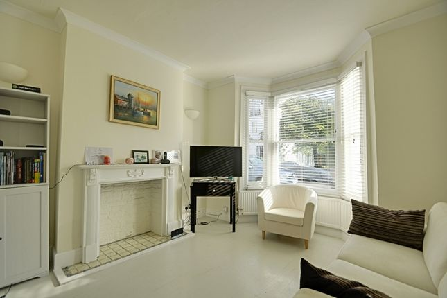 1 bed flat to rent in Purcell Crescent, Fulham