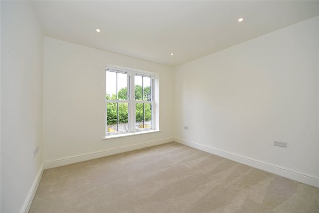 Picture No. 27 of Mill Lane, Witley, Surrey GU8