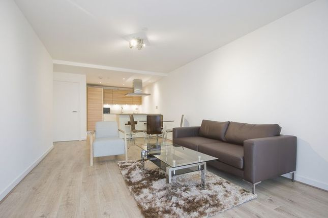 Thumbnail Flat to rent in Unex Tower, Station Street, Stratford