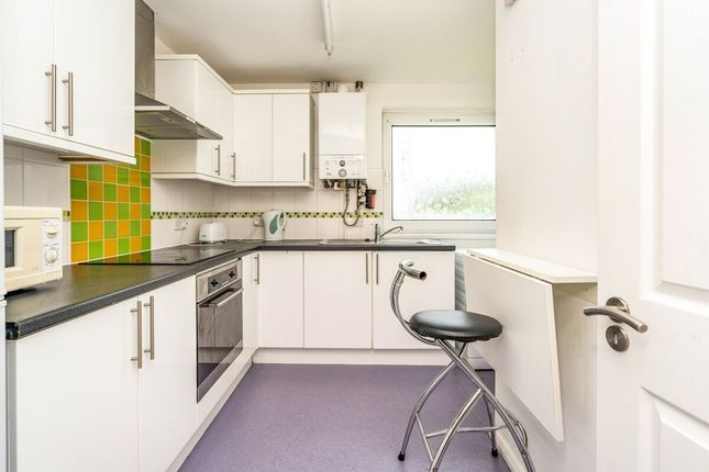 2 bed bungalow to rent in Medway Road, Gillingham ME7