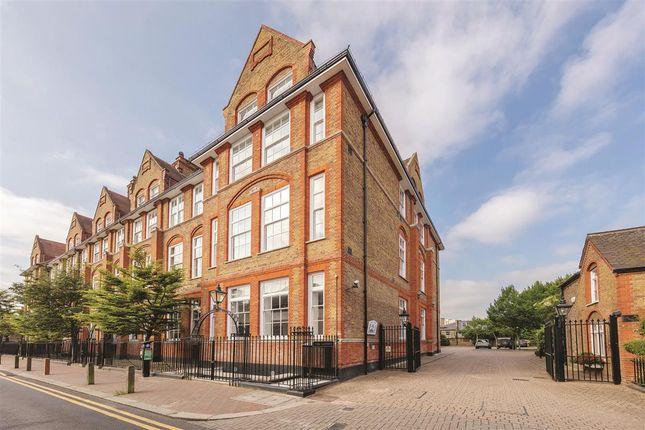 Thumbnail Flat to rent in Bridge Lane, London