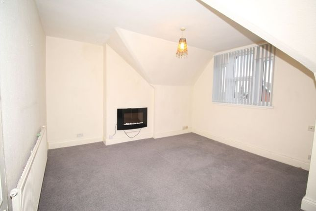 Thumbnail Flat to rent in Park Crescent West, Wigan