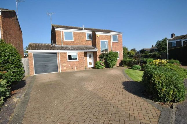 Thumbnail Detached house for sale in Cotswold Drive, Linslade, Leighton Buzzard