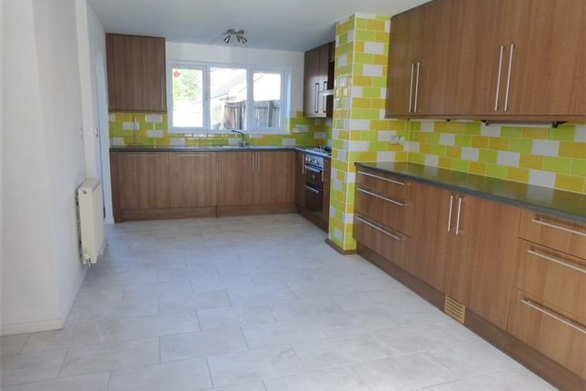 Thumbnail Property to rent in Lakeview Way, Hampton Centre, Peterborough