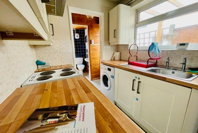 Property to rent in Hythe Hill, Colchester