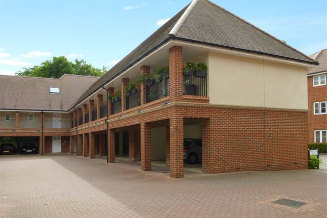 1 bed flat for sale in Thames View, Abingdon