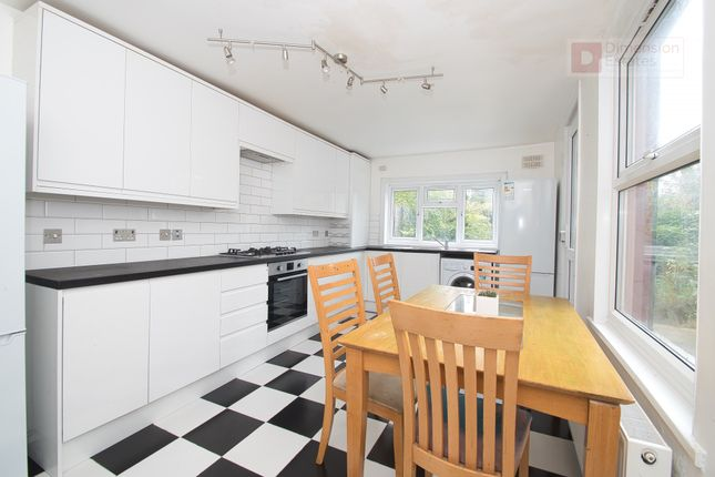 Thumbnail Shared accommodation to rent in Lothair Road South, London
