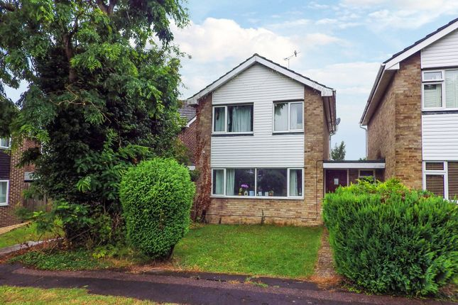 Thumbnail Detached house to rent in Farmers Close, Witney, Oxfordshire