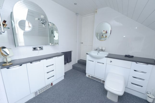 En-Suite B1 of Woodnook Lane, Old Brampton, Chesterfield S42