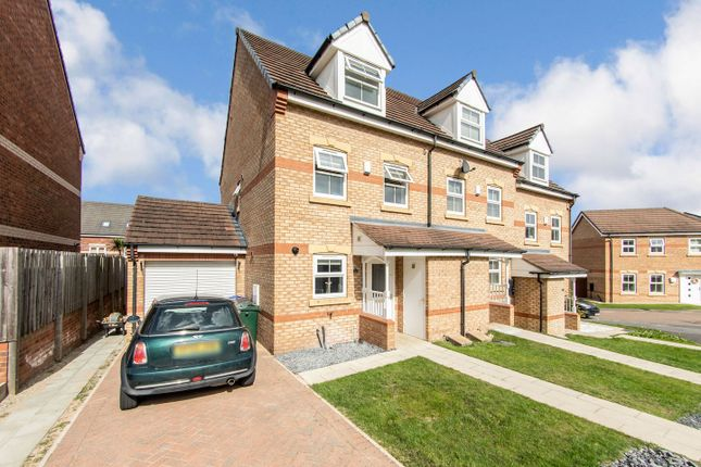 Thumbnail Town house for sale in Elmwood Way, Barnsley