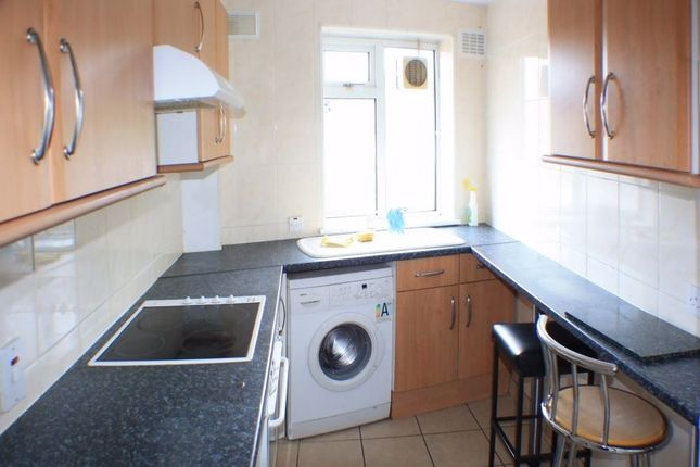Thumbnail Flat to rent in Coney Hall, West Wickham, Kent