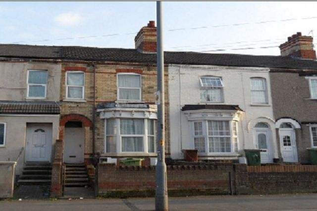 Thumbnail Flat to rent in Welholme Road, Grimsby