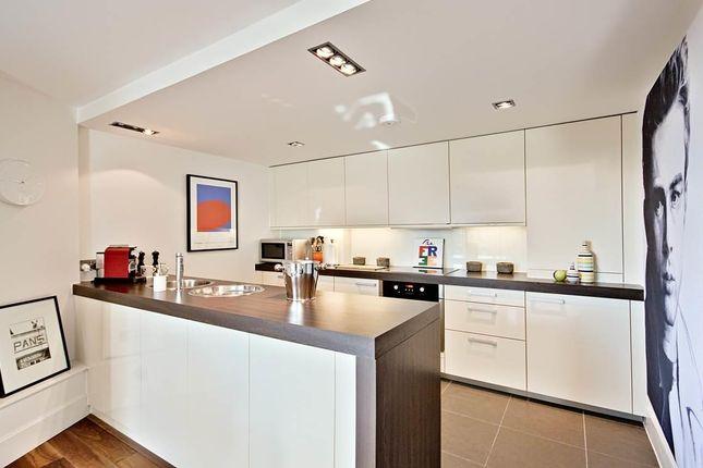 7-Kitchen of Salamanca Tower, 4 Salamanca Place, London SE1