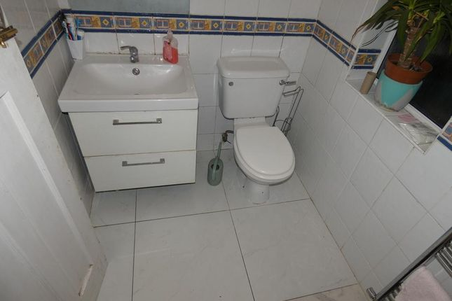Thumbnail Room to rent in Homemead Road, Croydon