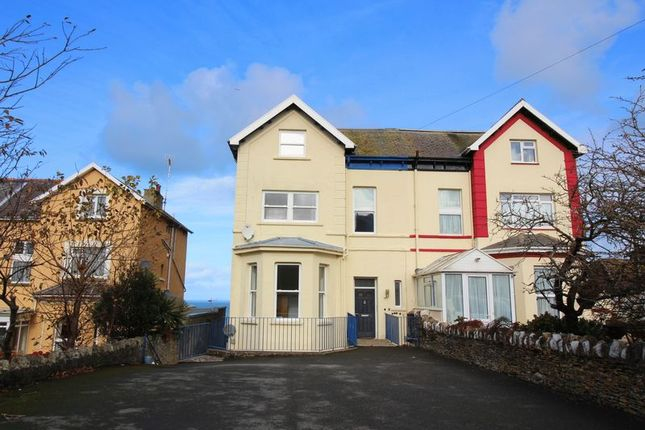 2 bed flat to rent in Highfield Road, Ilfracombe