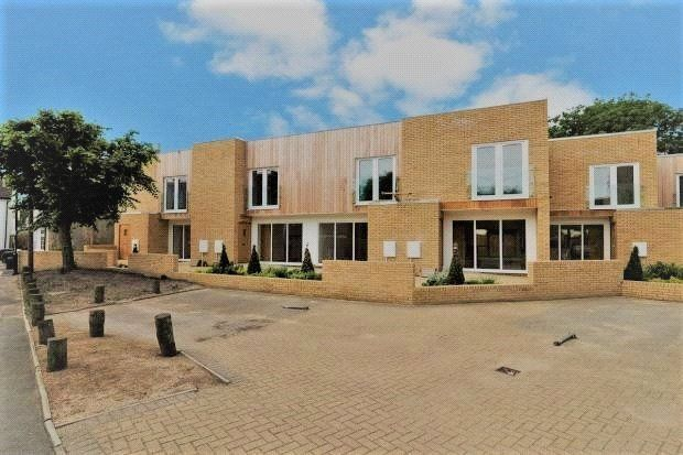 2 bed terraced house for sale in Fawcett Road, Croydon CR0