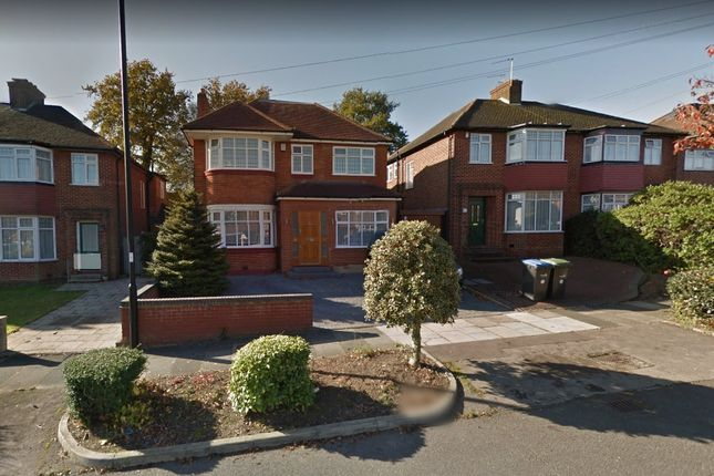Thumbnail Detached house for sale in Lonsdale Drive, Enfield
