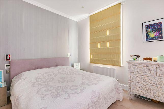 Bedroom of Penzance Place, London W11