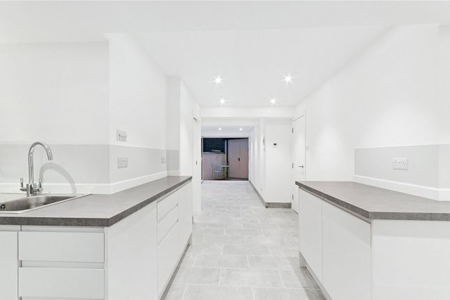 Thumbnail Flat to rent in Holland Park Terrace, Portland Road, London
