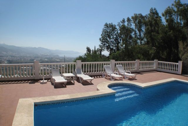 Poolview of Spain, Málaga, Nerja