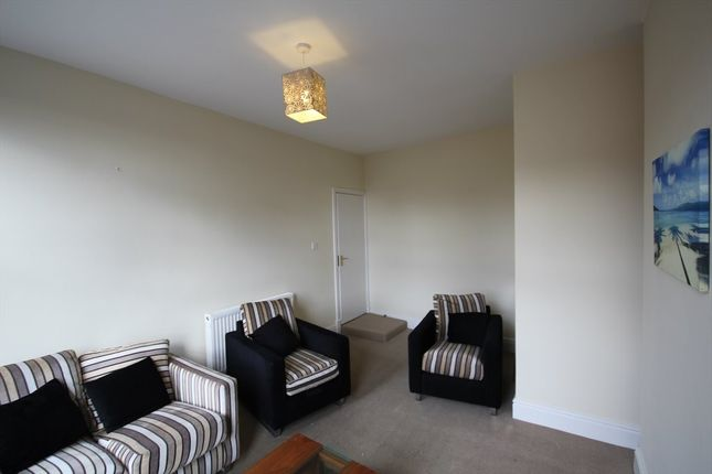 3 bed flat to rent in Beaumont Walk, London