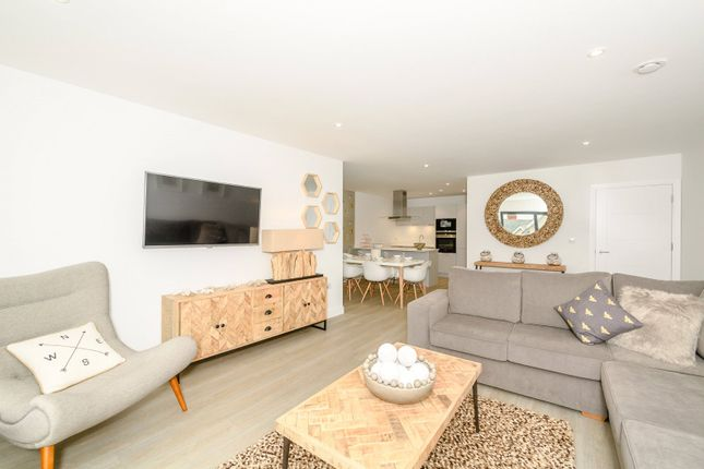 Thumbnail Flat for sale in Byron Apartments, Beach Road, Woolacombe, Devon