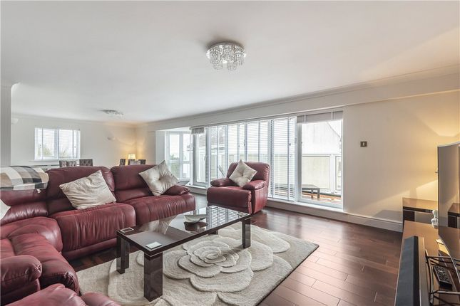 Thumbnail Flat for sale in Moriconium Quay, Lake Avenue, Poole