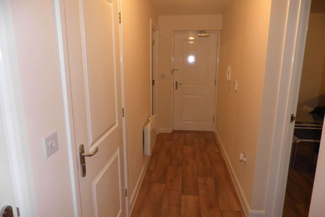 Hallway of Poppleton Close, Coventry CV1
