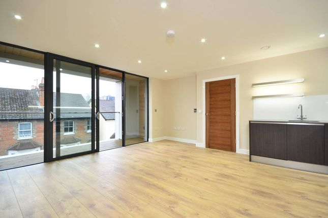 Thumbnail Flat to rent in Leapale Lane, Guildford