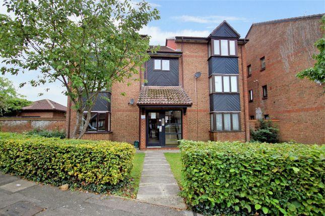 Studio for sale in Hawthorne Crescent, West Drayton UB7