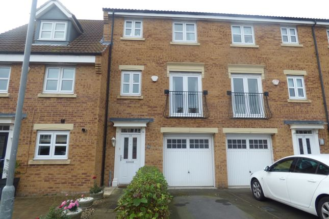 Thumbnail Town house for sale in Sandringham Meadows, Blyth